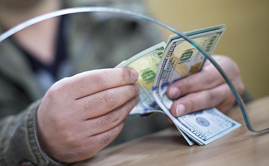 Коли варто купувати валюту?