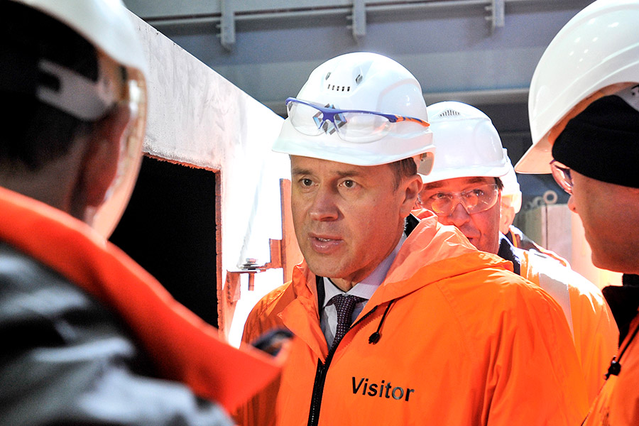 Состояние: $600 млн  Оценка пакета акций: $675 млн  «Еврохим» — производитель минеральных удобрений. Стрежнев возглавил компанию в 2003 году и получил первый пакет акций спустя четыре года. Выручка холдинга в 2016 году сократилась на 4%, до $4,38 млрд, чистая прибыль — на 6%, до $708 млн.