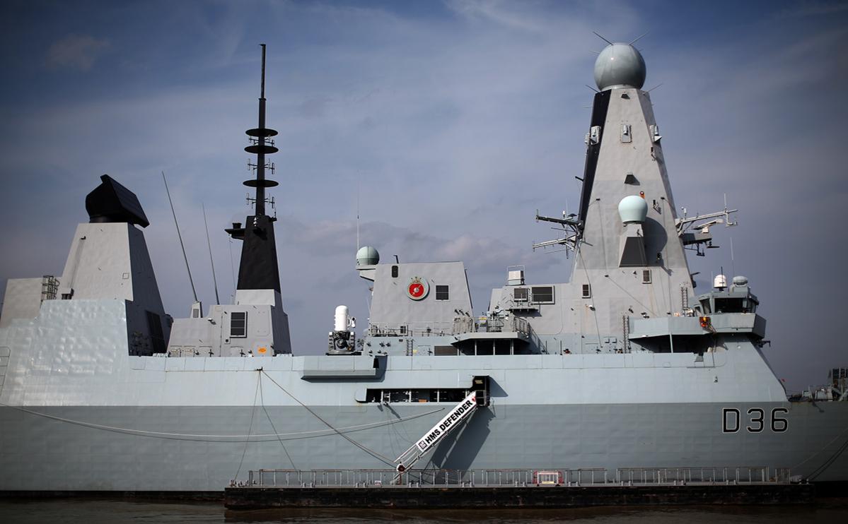 Минобороны Британии назвало ошибкой потерю документов об эсминце Defender