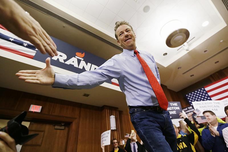 Республиканец Рэнд Пол занимает пост сенатора от Кентукки. Он первый действующий сенатор, отец которого (Рон Пол) является членом палаты представителей