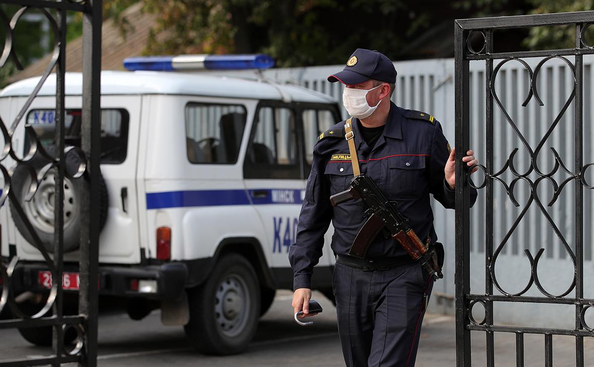 За оскорбление в Сети погибшего сотрудника КГБ арестовали 136 белорусов