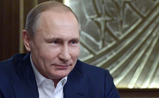 Президент России Владимир Путин во время интервью немецкому изданию Bild