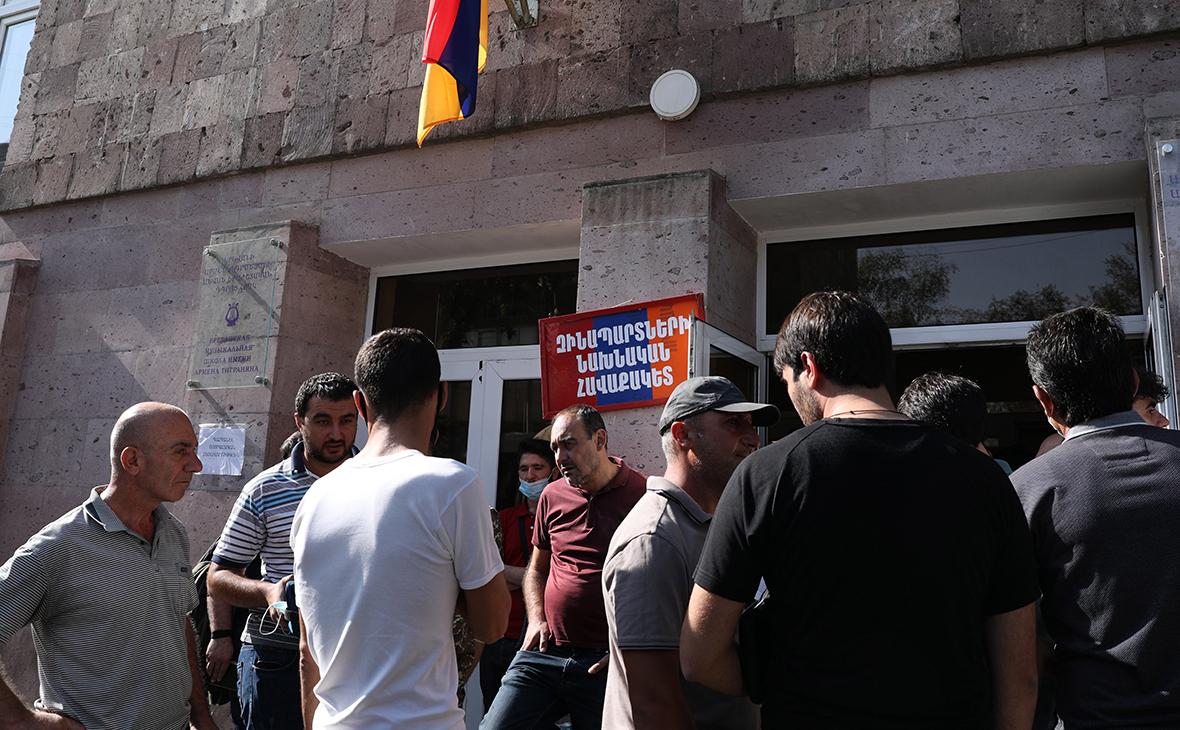 Ереван. Призывники перед отправкой в Нагорный Карабах