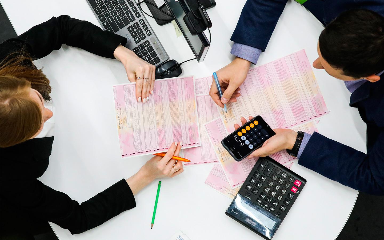 <p>При расчете стоимости полиса ОСАГО, страховщиками будет учитываться наличие пройденного техосмотра.</p>