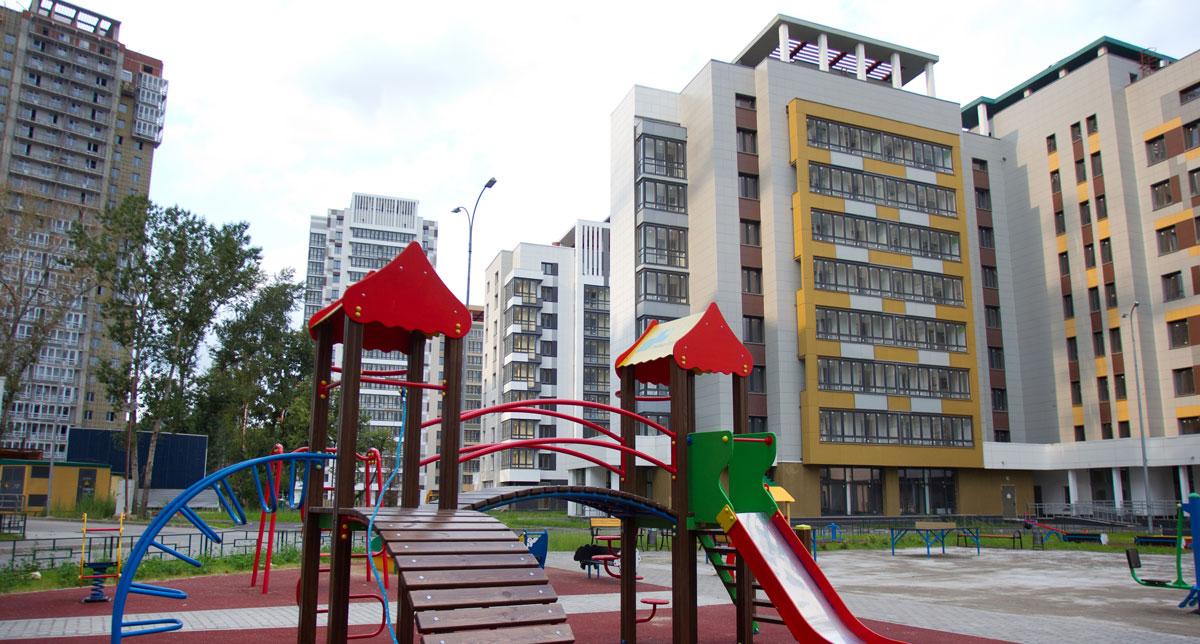 В новостройках Москвы можно встретитьнесколько видов отделки: предчистовую (white box) и под ключ. В первом случае квартира, по данным Est-a-Tet, будет в среднем дороже на 5% (около 8 тыс. руб. за 1 кв. м), во втором — до 20% (от 10 тыс. до 30 тыс. руб. за 1 кв. м). Разница в цене между идентичными по площади квартирами с отделкой и без нее в одном комплексе составляет около 10%