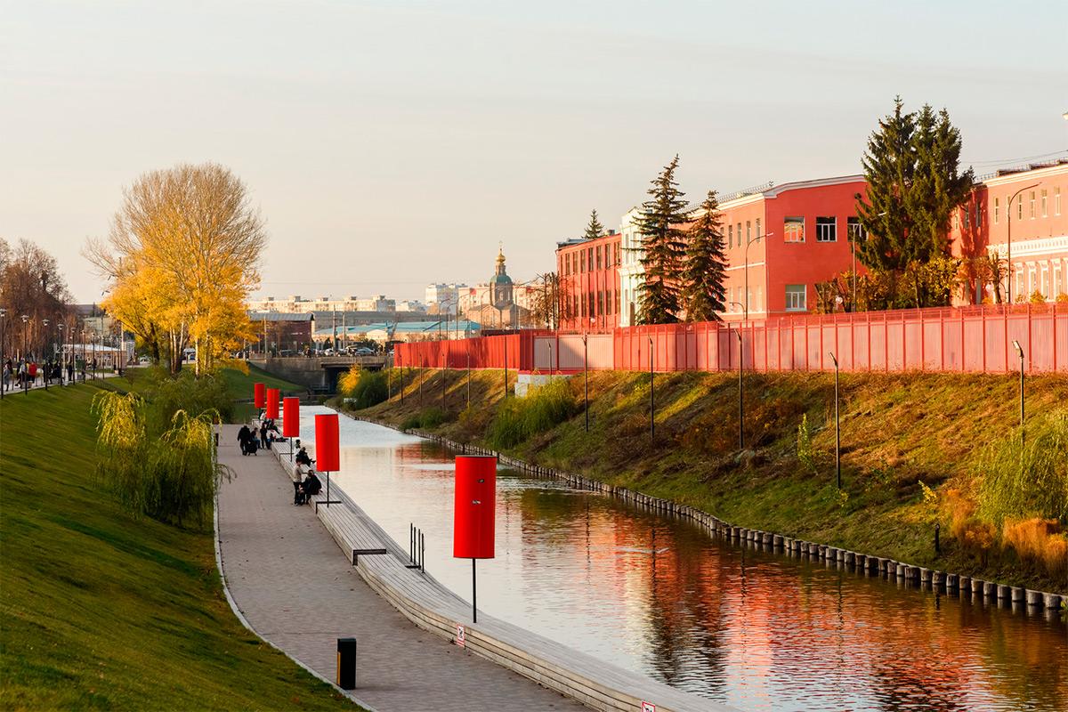 <p>Город Тула. Казанская набережная возле Тульского кремля</p>