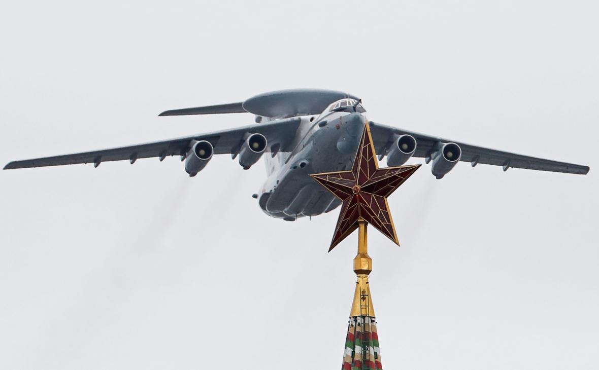 Кремль предупредил об угрозе для воздушного парада в Москве из-за погоды