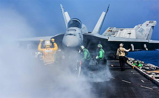 Истребитель F/A-18 Hornet