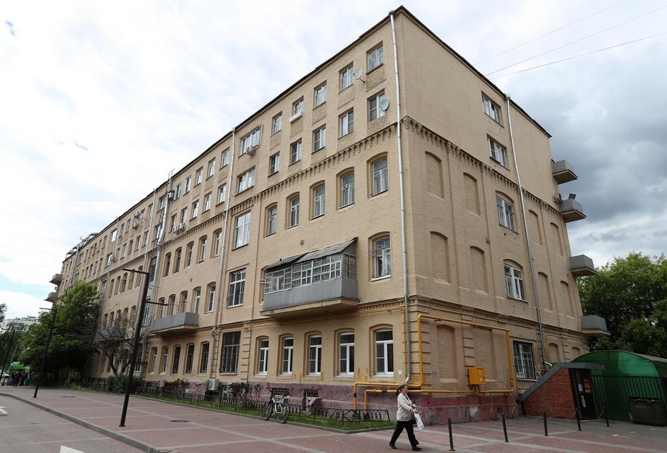 На фото:жилой дом по Варшавскому шоссе, 7