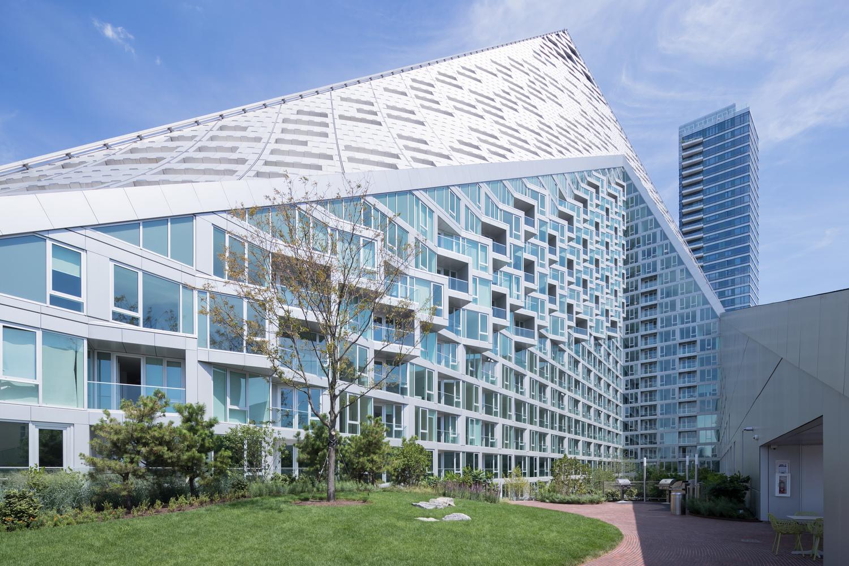 Номинация «Жилье»  Объект: жилой комплексVia 57 West  Расположение: Нью-Йорк, США  Архитектурное бюро: BIG