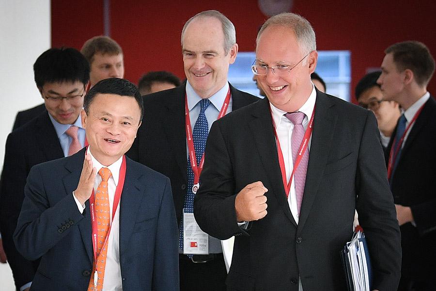 Основатель Alibaba Джек Ма (слева) и Кирилл Дмитриев