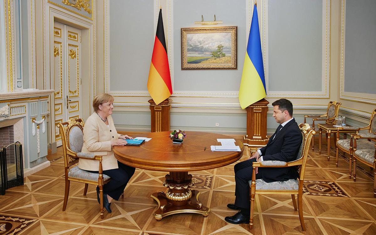 Ангела МеркельиВладимир Зеленский