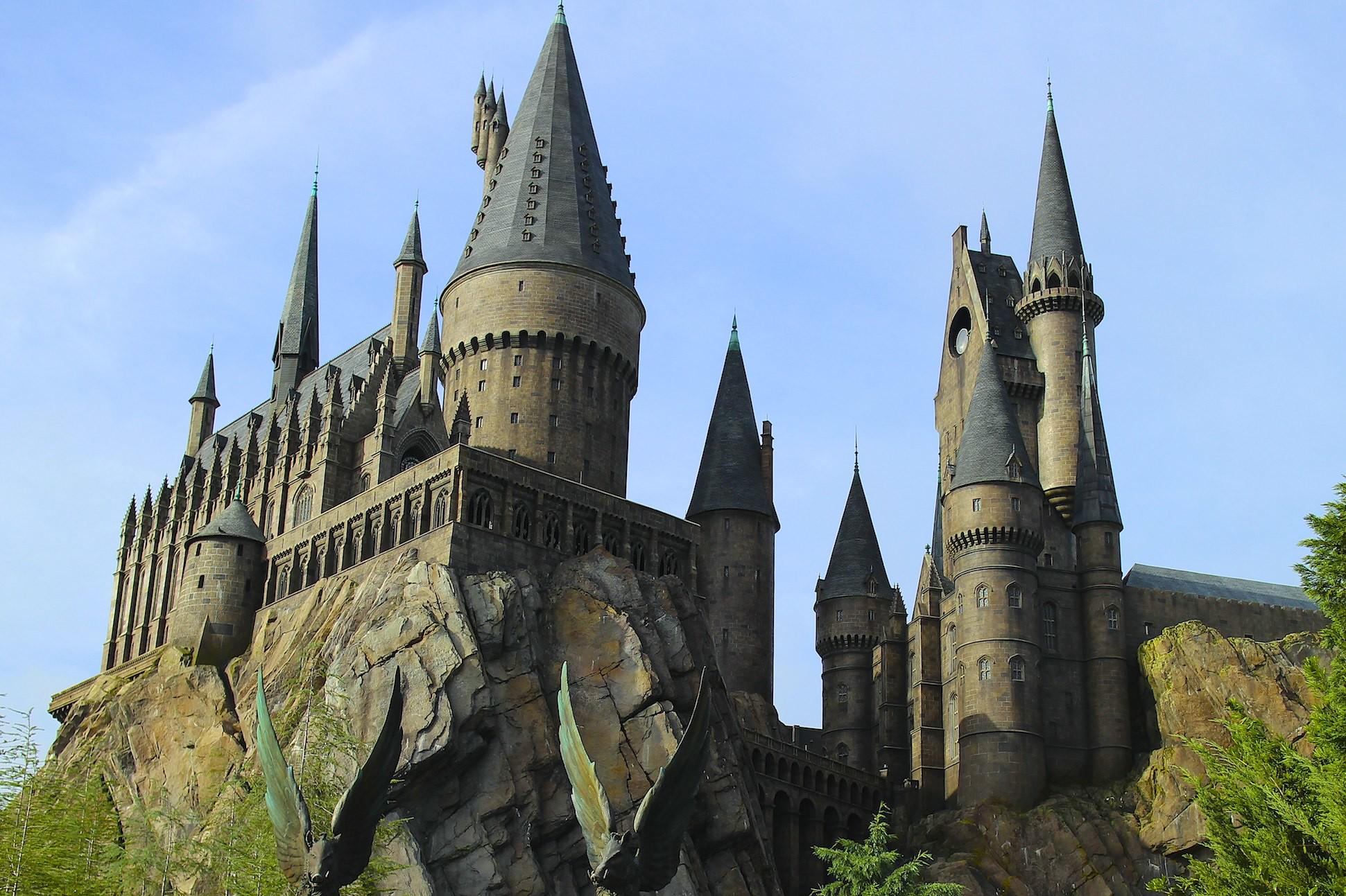 Замок «Хогвартс»— главное место действия серии книг о Гарри Поттере