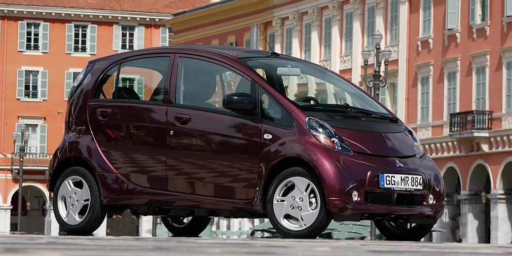 Mitsubishi i-MIEV (управделами президента Владимир Кожин)
