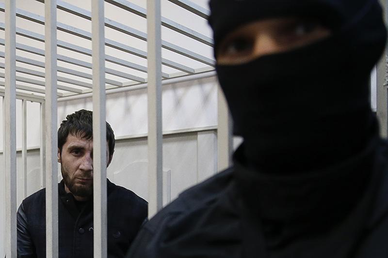 Заур Дадаев  Бывший боец чеченского батальона «Север» Внутренних войскМВД, предполагаемый киллер. Сразу послезадержания признался вубийстве Немцова, однаковскоре отказался отпоказаний, заявив, чтодал их подпытками