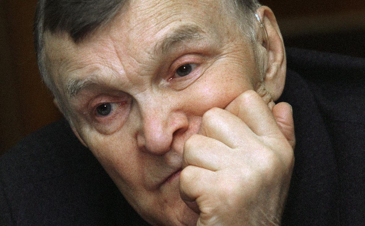 В Москве умер писатель-фронтовик Юрий Бондарев :: Общество :: РБК