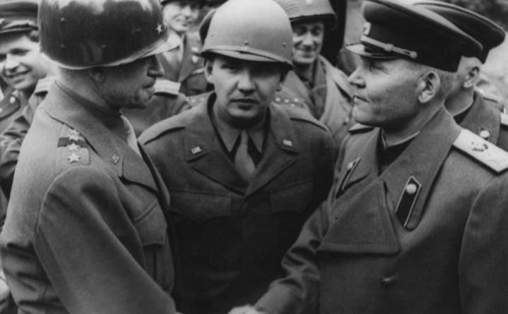 Конев и Брэдли во время встречи на Эльбе в штабе 1-го Украинского фронта.Германия, г. Торгау, апрель 1945 г.