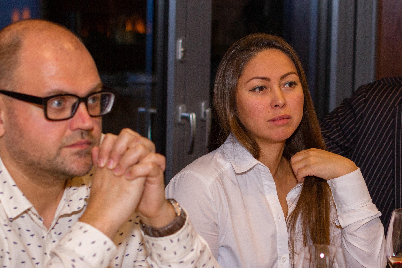 Фото:Василий Масальский, модератор дискуссии и Евгения Хан, генеральный директор ООО «Центр фейерверков «ХАН»
