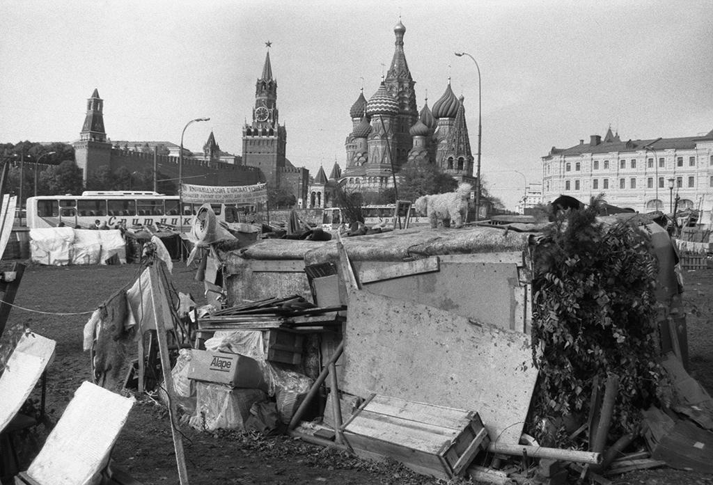 Палаточный городок у гостиницы «Россия». 1990 год