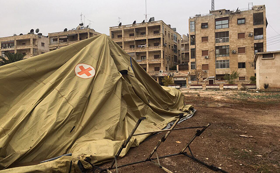 Мобильный госпиталь Министерства обороны Россиив Алеппо после обстрела