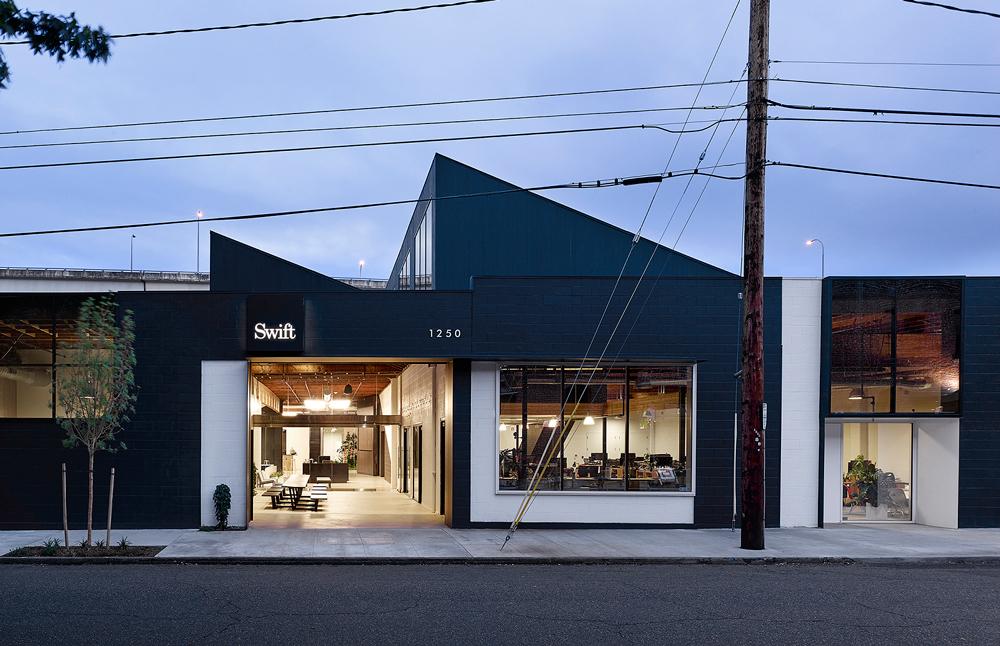 Номинация «Корпоративное офисное здание»   Название: агентство Swift Место: Портленд Архитекторы: Beebe Skidmore Architects