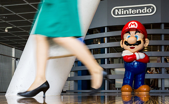 Фигурка Мариов центре Nintendo в Токио