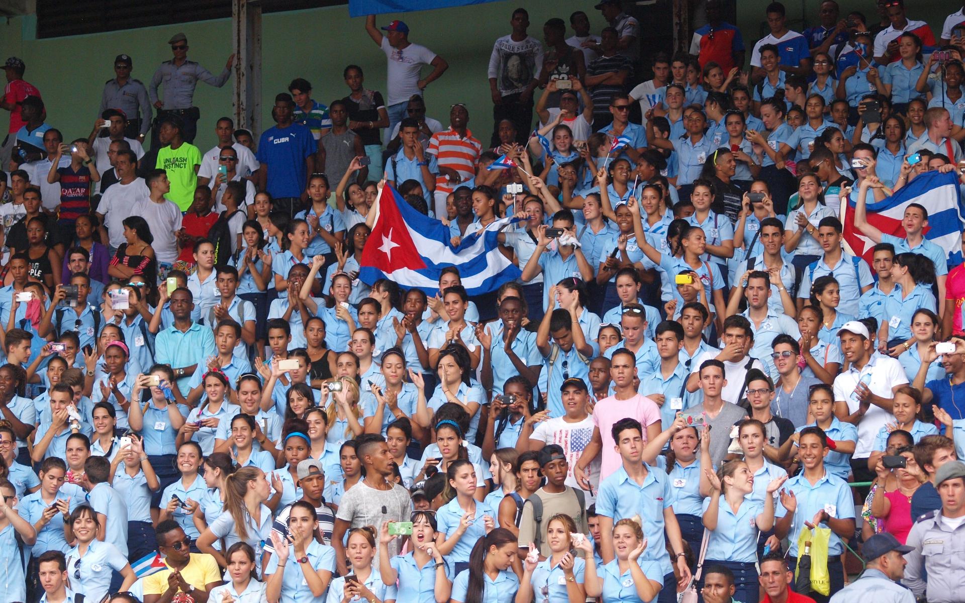 Фото: Болельщики сборной Кубы (Guillermo Nova/dpa)
