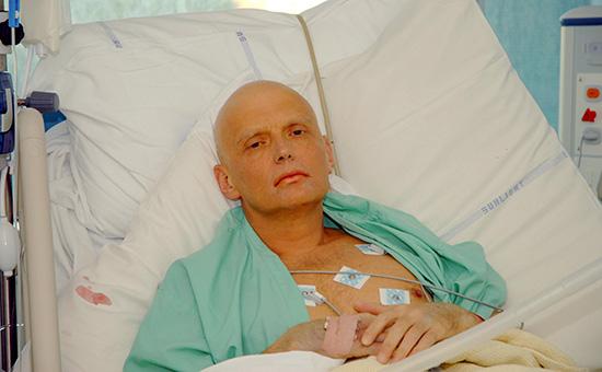 Александр Литвиненко вреанимационном отделении лондонской больницы. 20 ноября 2006 года
