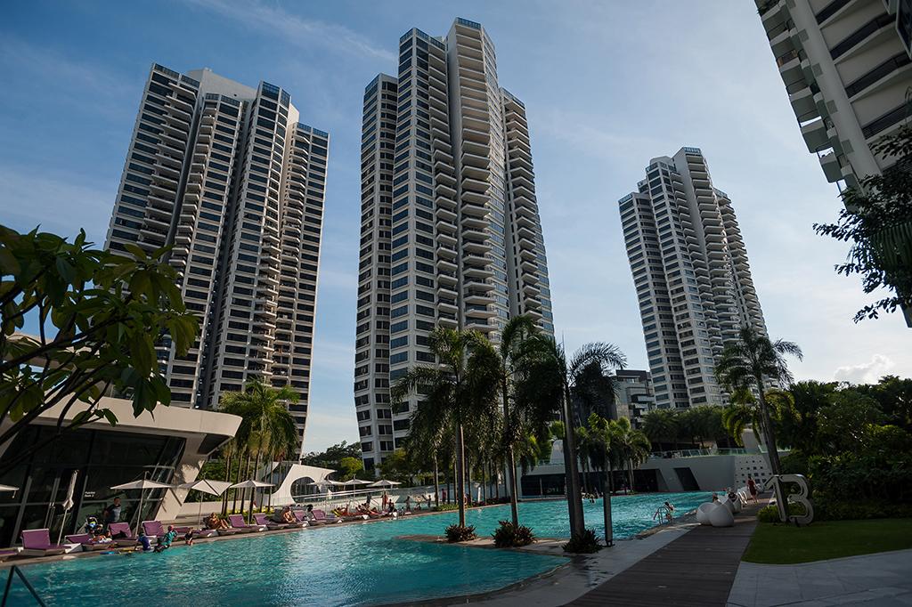 Жилой комплекс с бассейном в Сингапуре