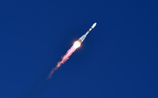 Запущенная с космодрома Восточный ракета-носитель «Союз-2.1а»