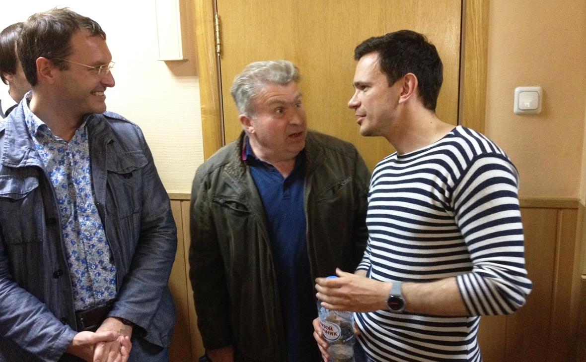 Илья Яшин (справа)