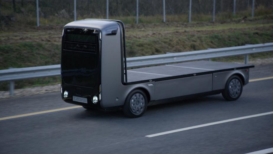Роуд-шоу беспилотного грузовика «Эвокарго» на ЦКАД-3 осенью 2020 года