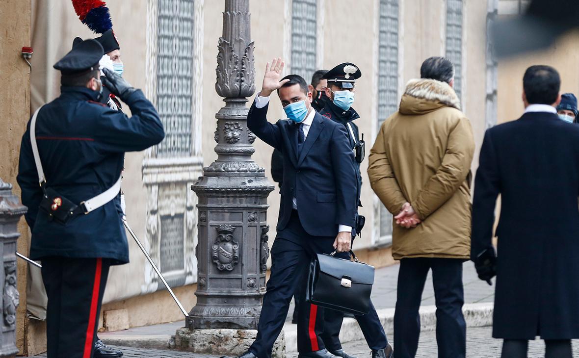 Рим назвал крайне враждебным актом инцидент с российским дипломатом
