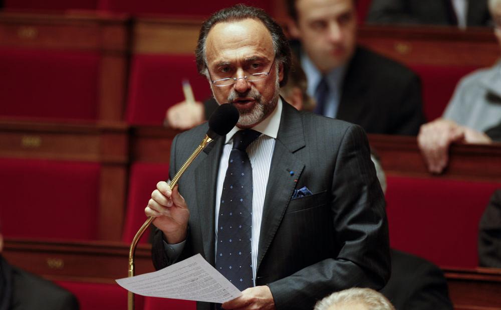 Во Франции при крушении вертолета погиб миллиардер и политик Оливье Дассо