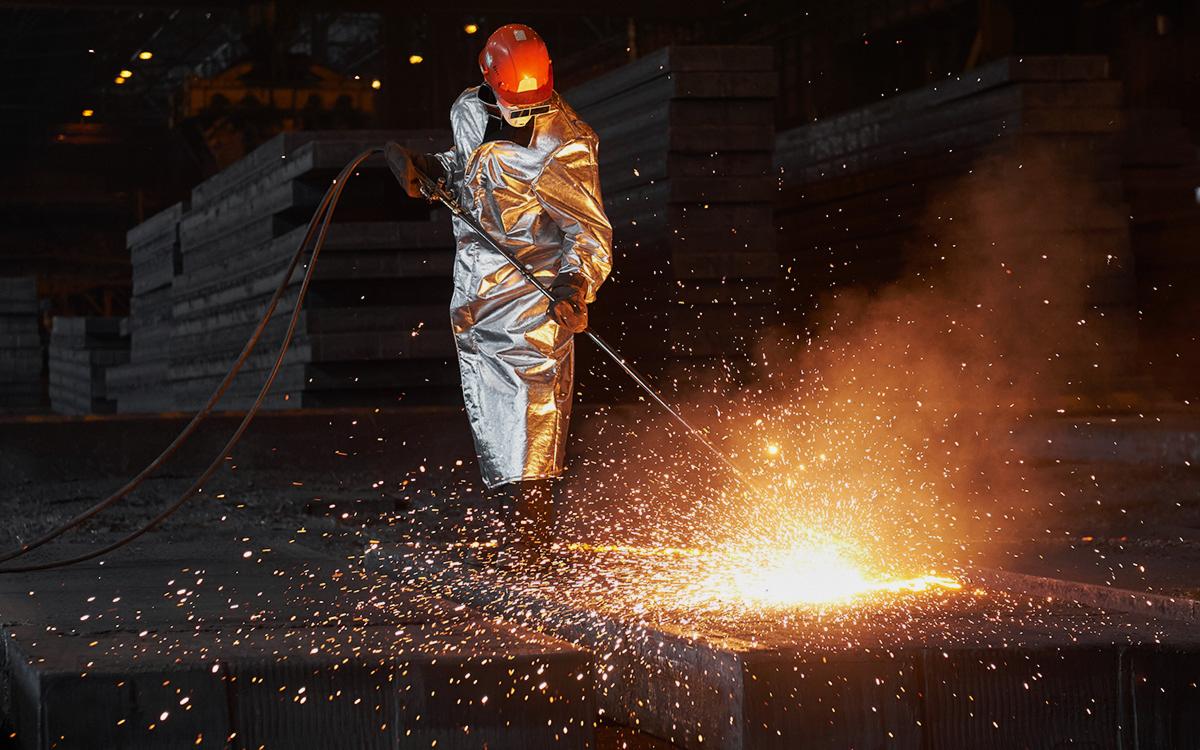 Путин поздравил горняков и металлургов с профессиональным праздником