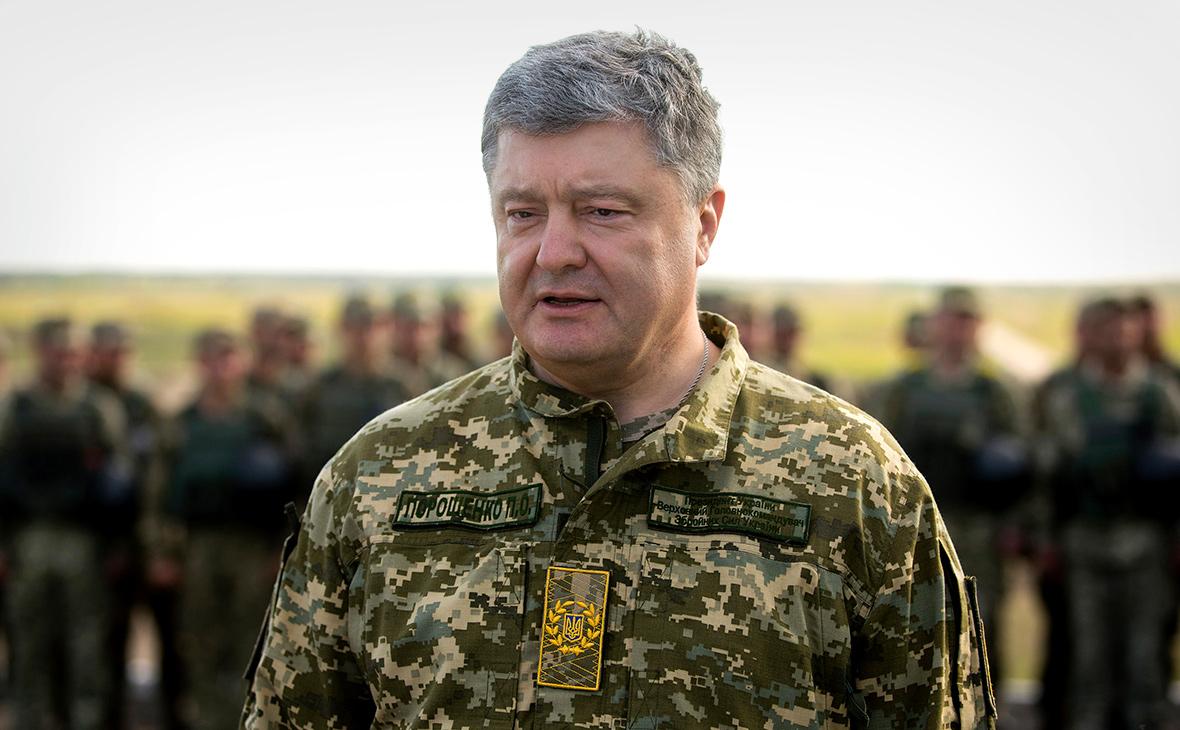 Порошенко пообещал украинским военным скорую поставку новых снарядов