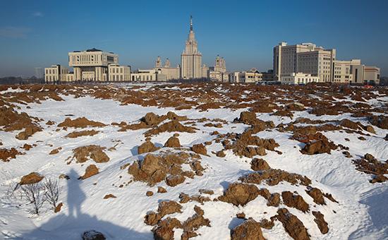 Территория МГУ