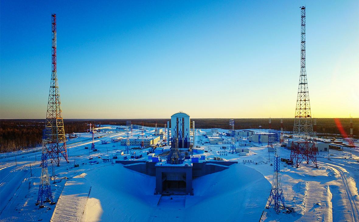 Вид на стартовую систему космодрома Восточный