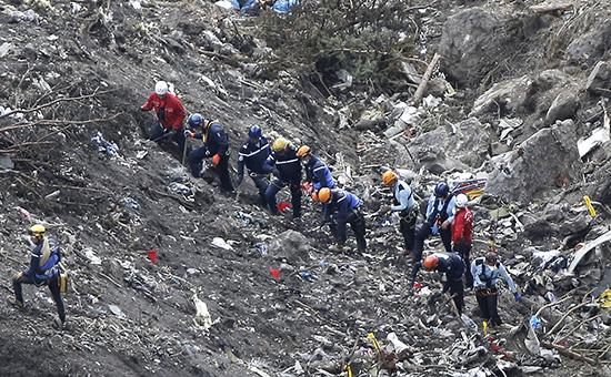 На месте катастрофы самолета Airbus A320 во Франции