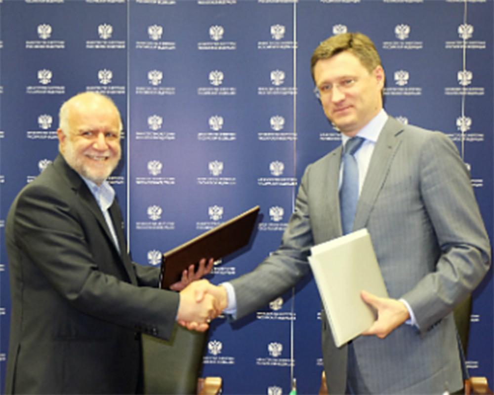 Министр энергетики России Александр Новак и министр нефти Исламской республики Иран Бижан Намдар Зангане (слева на право)