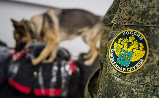 Правительство задумалось о передаче части функций таможни ФСБ