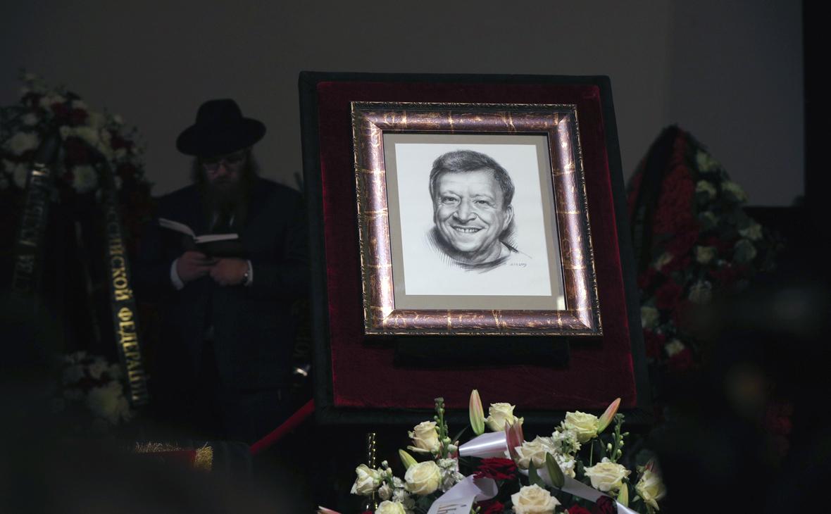 В Москве началась церемония прощания с Борисом Грачевским