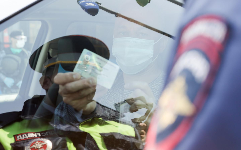Власти Москвы ввели новые ограничения из-за коронавируса. Пока что речи о запрете такси и каршеринга не идет