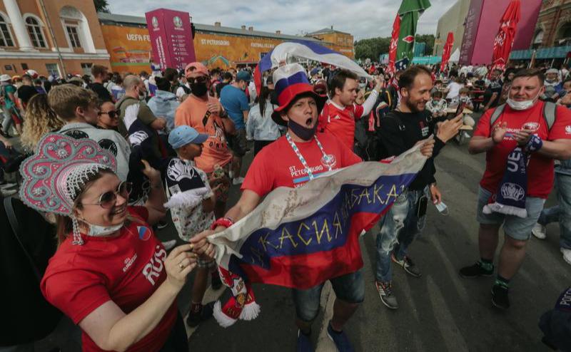 Фан-зона Евро-2020 на Конюшенной площади