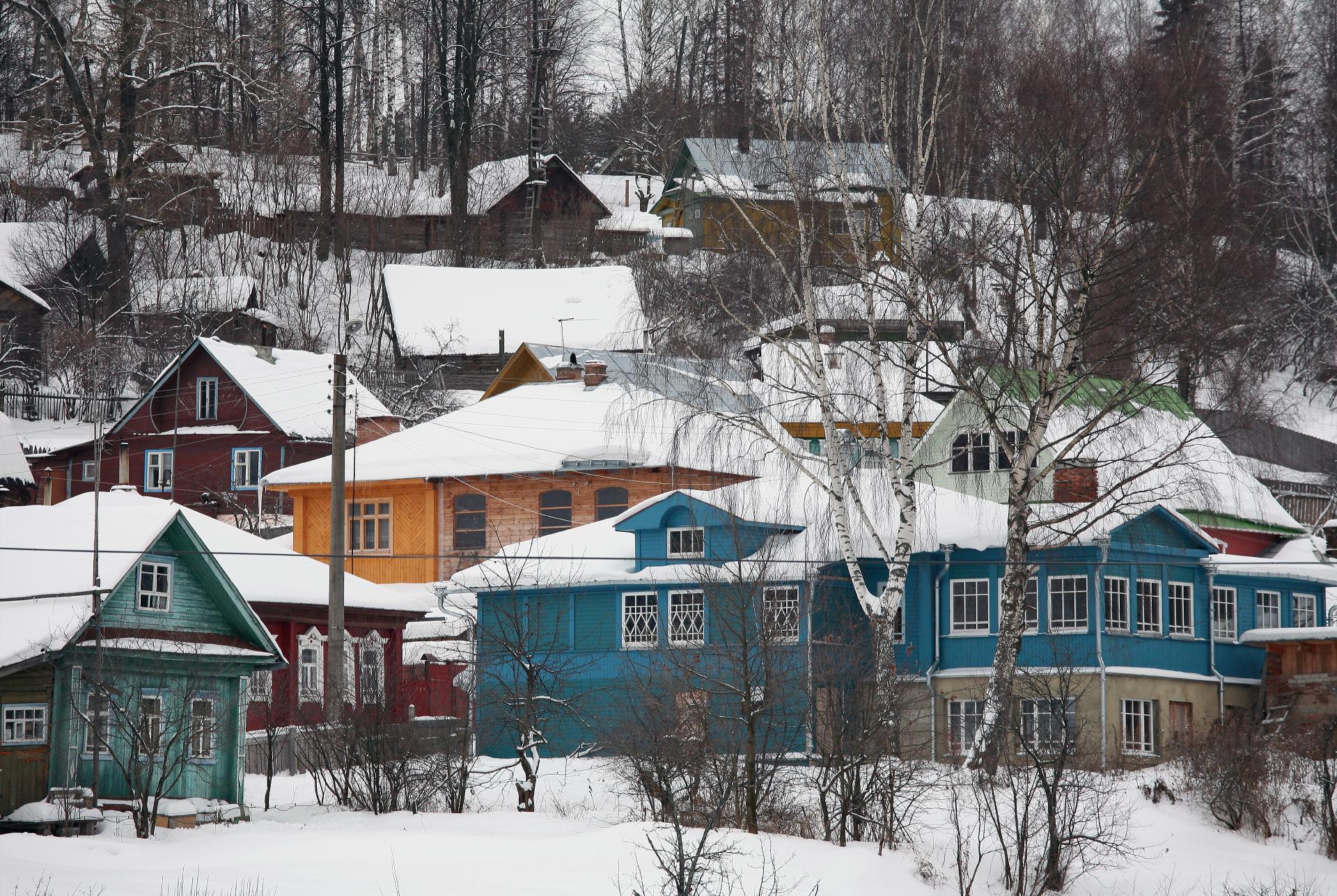 В 2020 году недвижимость на загородном рынке чаще рассматривалась именно с точки зрения круглогодичного, а не сезонного проживания