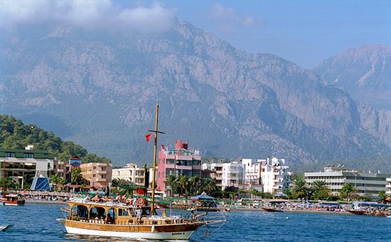 Вид на Кемер с Средиземного моря
