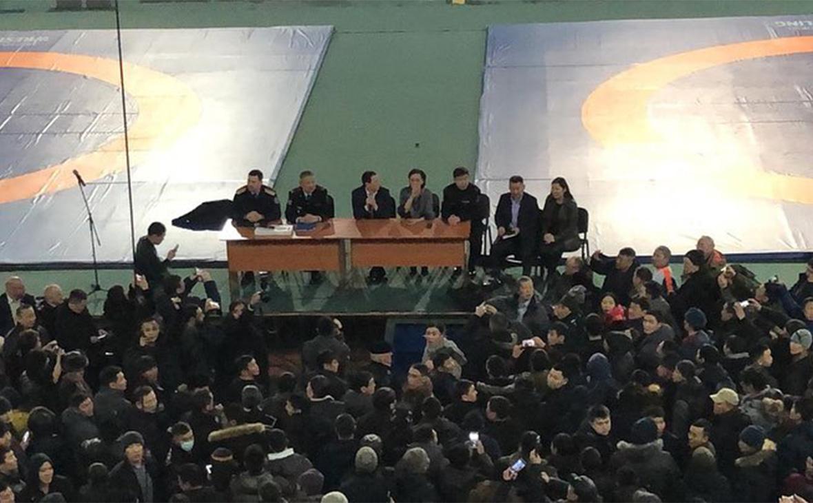 Руководство Якутии на встрече с жителями