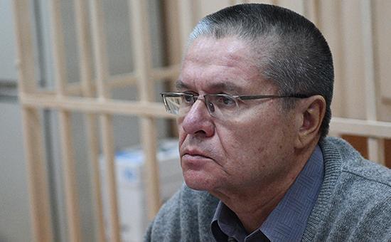 Экс-министр экономического развития Алексей Улюкаевв Басманном судеМосквы. 10 января 2017 года