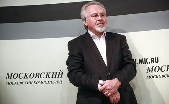 Главред «МК» призвал телеведущего Дмитрия Киселева «разуть глаза»