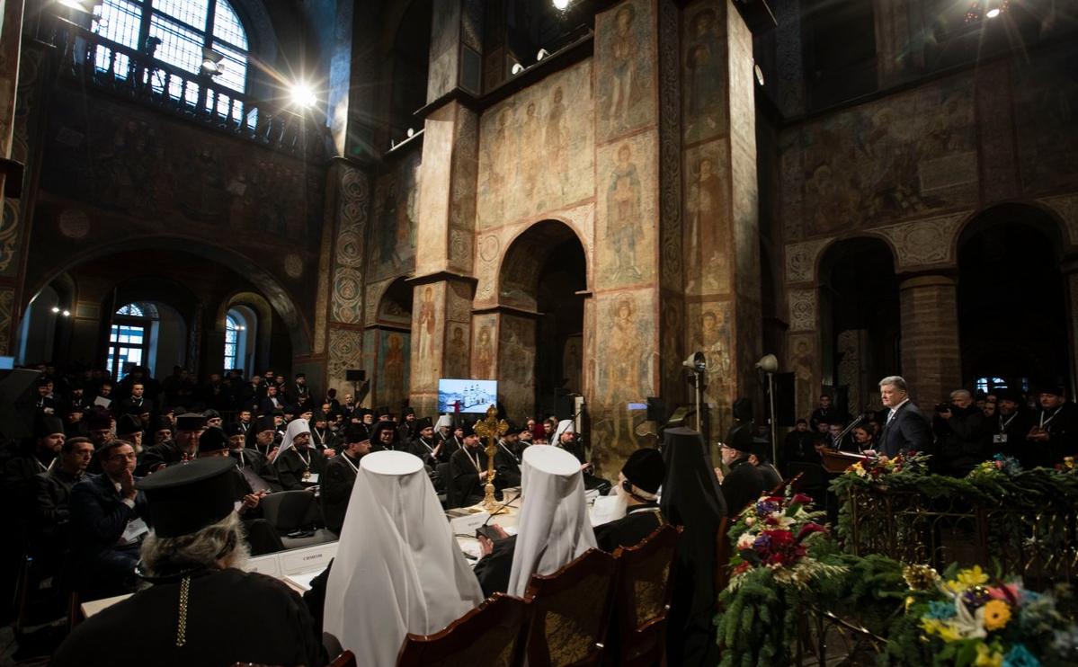 На объединительном соборе избрали главу украинской церкви